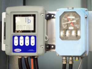 B100 Electronic Temperature Monitor vs Gauge